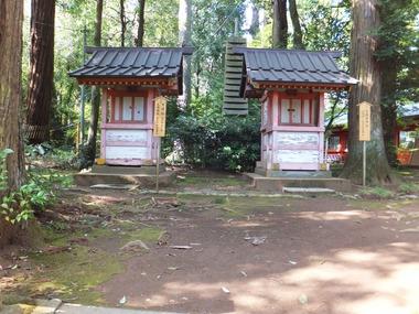 左:末社天降・市神社