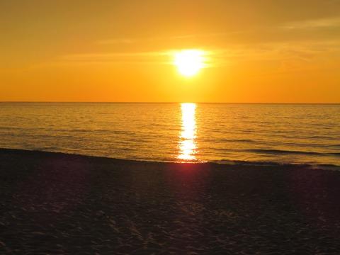 琴ヶ浜の夕日