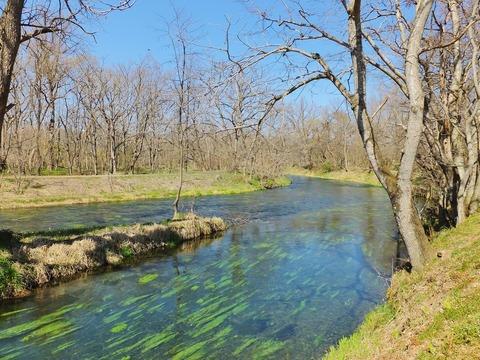 7・蓼川と万川の透明な水の流れ