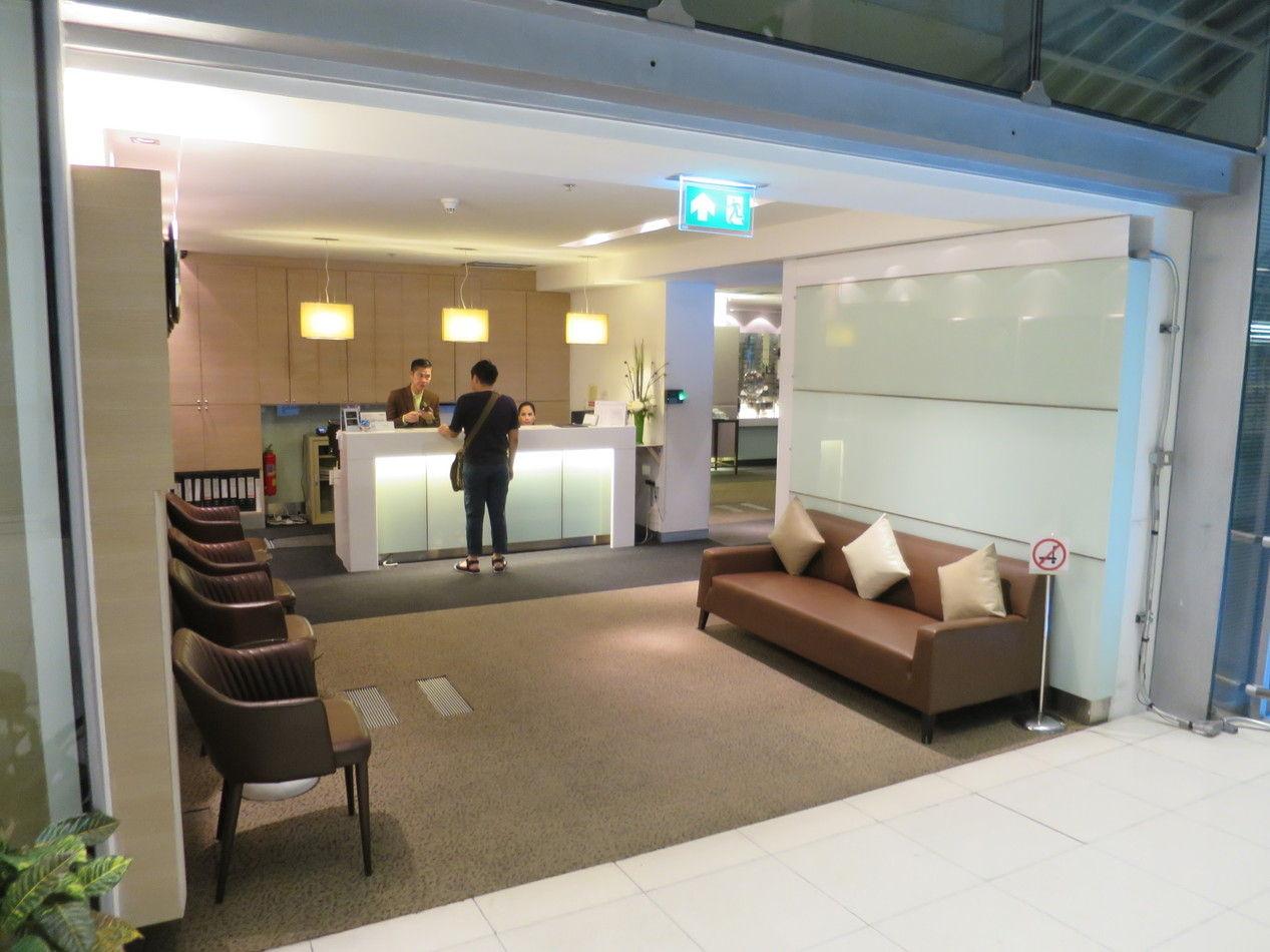 louis tavern cip lounge bangkok