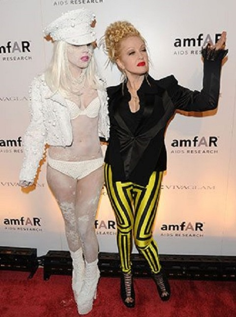 2010-Lady-Gaga-and-Cyndi-Lauper