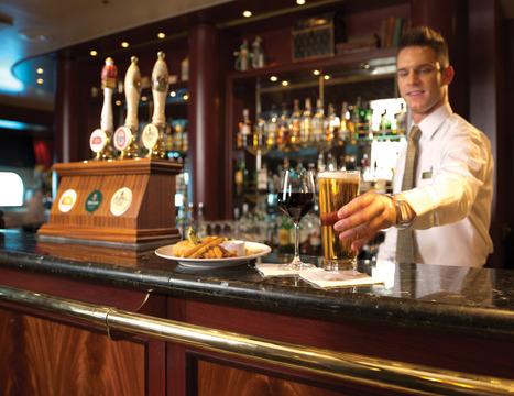 RF20124 - Queen Mary 2 Golden Lion Pub -- QM2 Bars
