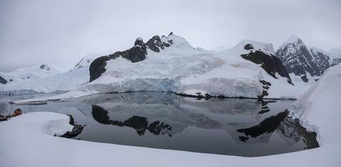 Landscape-Almirante-Brown-Antarctica-HGR-133718_1024
