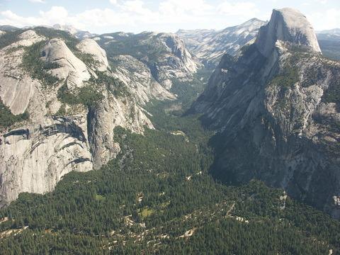 1200px-Yosemite_Valley