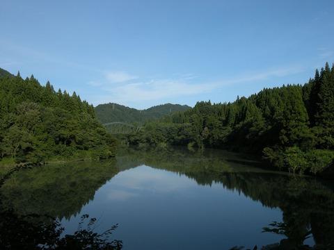 Agano_River_and_Uetsu_Main_Line_bridge