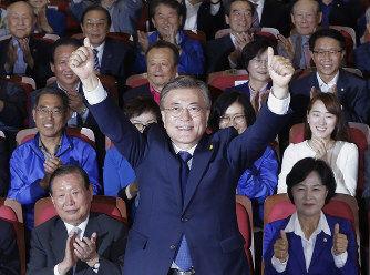 【韓国】不正排除公約の文在寅、就任早々ブーメラン直撃して大ピンチ