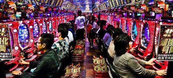 共産・清水元議員「カジノがパチンコより健全とは思いません!これ以上賭博を増やすのをやめさせませんか?どちらが先かということではありません!」