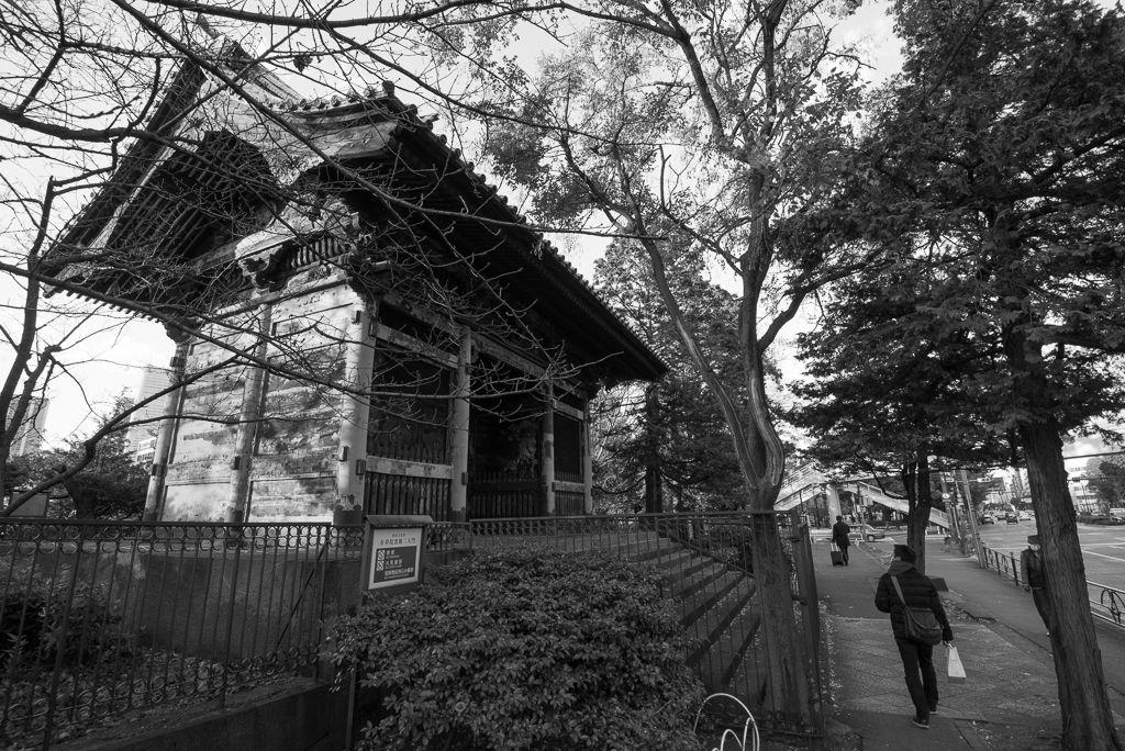 東京モノクローム   有章院霊廟二天門 コメントトラックバック                  hide**