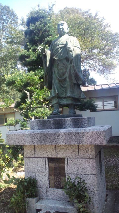 伊豆実成寺8日蓮像
