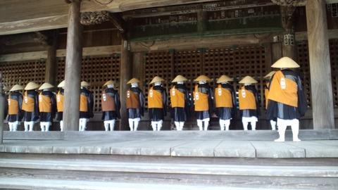 妙本寺6行道僧