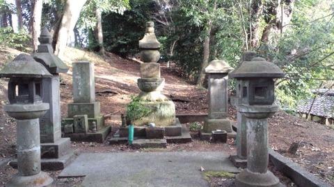 光長寺12日法墓