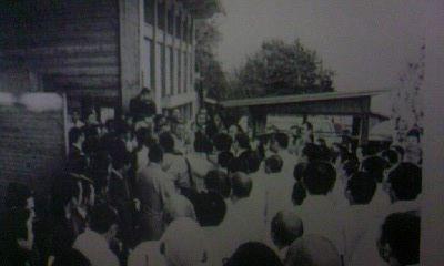 1981抗議登山・創価班が正信会入山阻止1