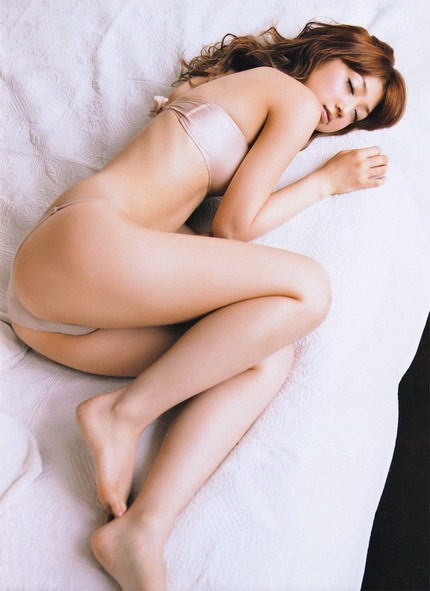 アイドルやグラドルなどの可愛い女の子たちが、プリプリした美尻を見せちゃう