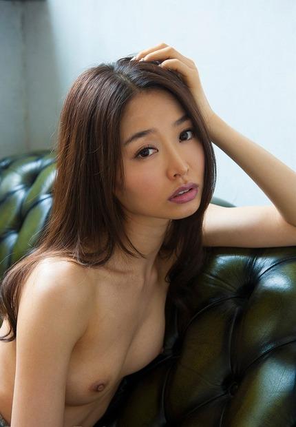 長身で細身のモデルみたいなお姉さんが淫乱なセックス、夏目彩春
