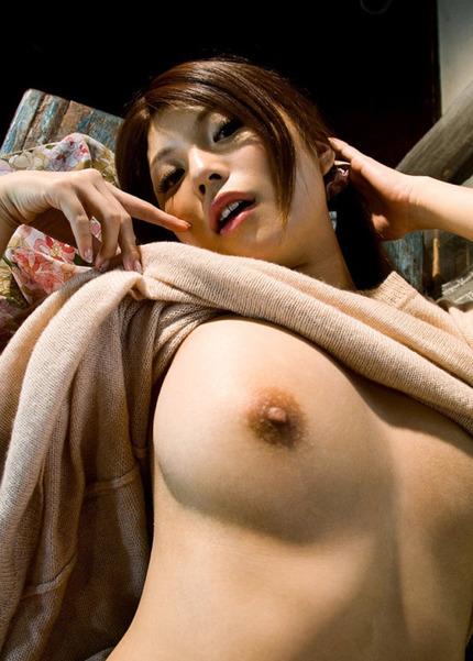 大きくて綺麗な、美巨乳を見せてくれる女性たち
