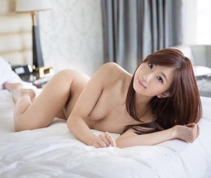 お嬢様みたいな可愛らしさで娼婦のような淫乱セックス、清本玲奈