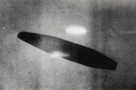 1952年 アダムスキー 3