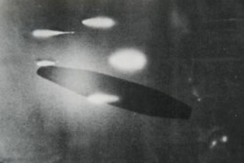 1952年 アダムスキー 4