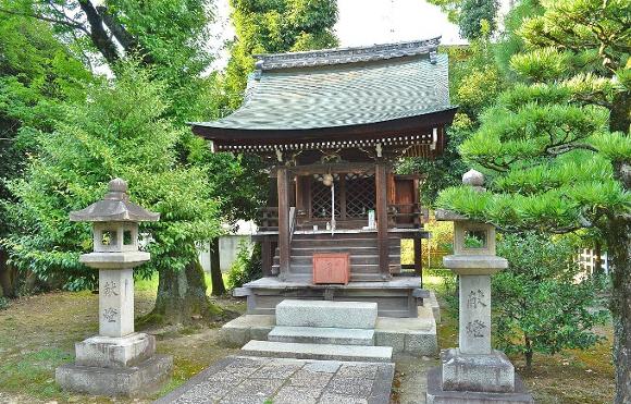 Osake-jinja_(Kyoto)_honden