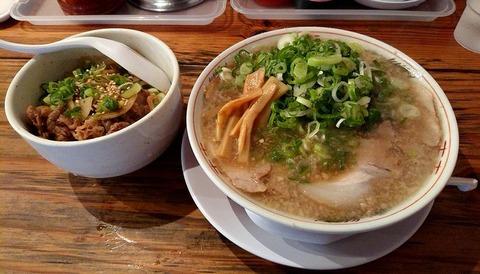 日替わり定食(喝采らーめん こってり+硬麺+ネギ多目+ミニ焼肉丼)