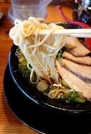 厚切チャーシューラーメン(硬麺+ネギ多目)③