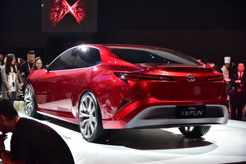 toyota-fun-concept-sedan-shanghai17-3