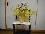 黄色い造花