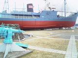 捕鯨船と捕鯨銃