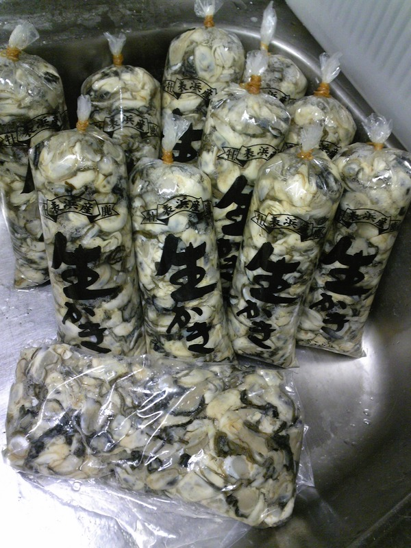 800g×10本+1Kgの剝いた牡蠣
