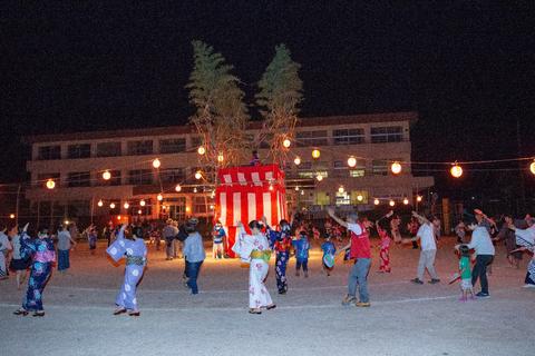 束荷納涼盆踊り大会