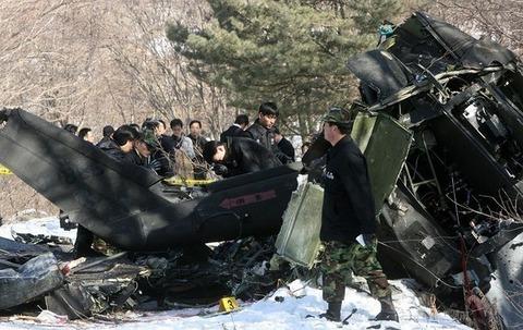 韓国軍ヘリが墜落