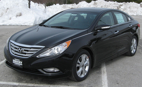 2011_Hyundai_Sonata_Limited_2_-_02-13-2010[1]