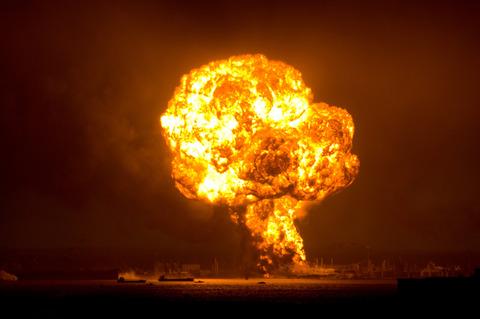 爆発・戦争・爆弾・炎上