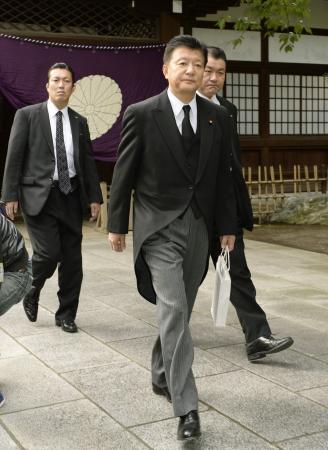 新藤総務相が靖国参拝