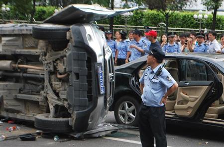 反日無罪 車破壊