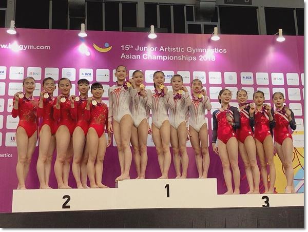 男女共団体銀メダル1