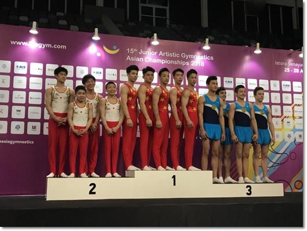 男女共団体銀メダル2