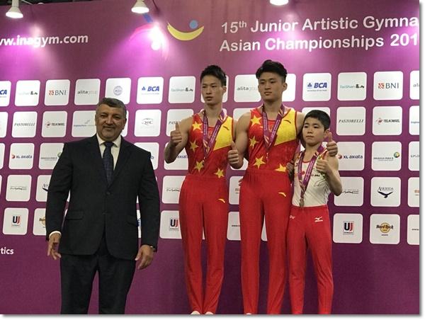 男女共団体銀メダル3