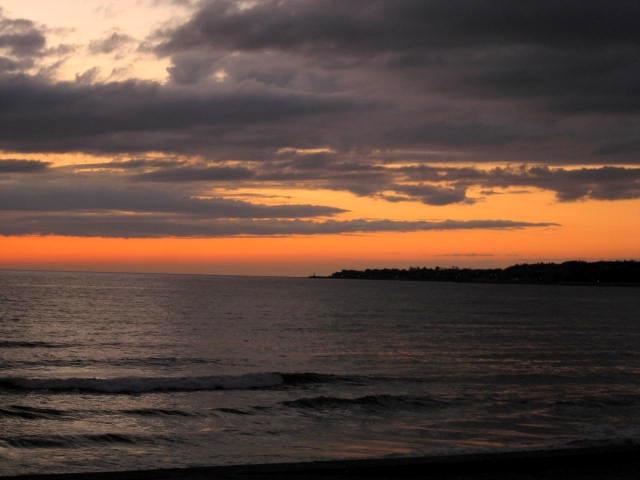 水平線の夕焼け