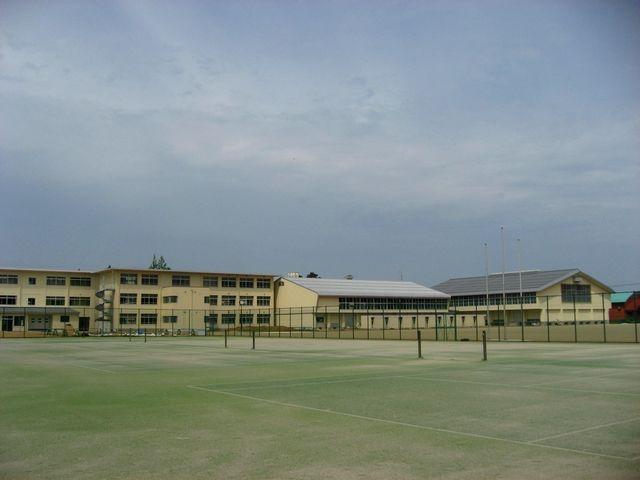 富来中新校舎
