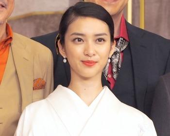 【武井咲】女優復帰画策を待ち受ける「茨の道」