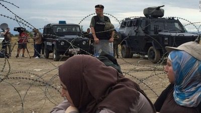 refugees-and-macedonian-police-cnn