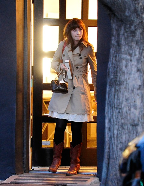 Zooey_Deschanel-Beverly_Hills-CA-19_3_2014-002