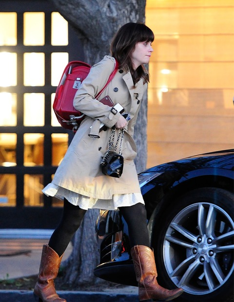 Zooey_Deschanel-Beverly_Hills-CA-19_3_2014-006