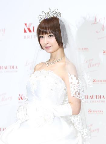 【元AKB48】<篠田麻里子>3歳年下の実業家との結婚発表!共通点は「玄米を食べて育った」交際1日でプロポーズ「一生一緒にいたい」