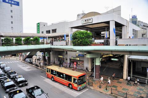1024px-Fujisawa_Station_SouthGate
