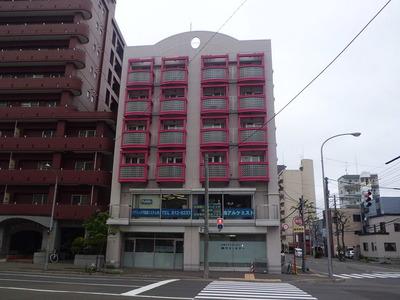Public_48_Building