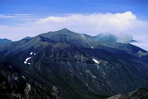 300px-Mount_Tokachi_from_Mount_Biei_1998-8-9