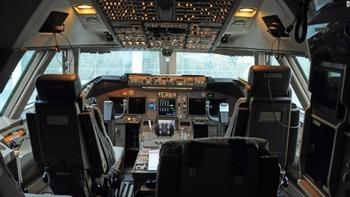 cockpit-pilot-jet-cnn