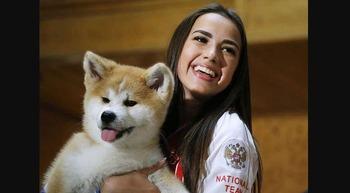 japan-gifts-akita-dog-russian-skater-zagitova